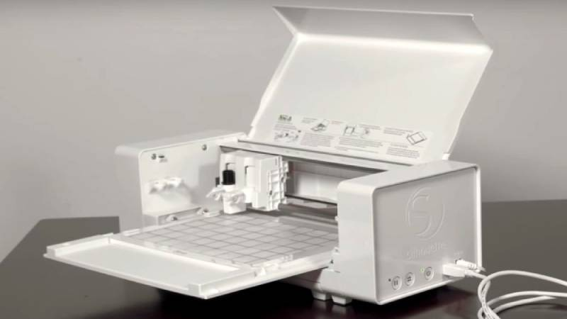 Silhouette Curio embossing and etching craft machine